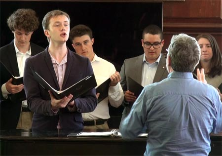 19-06-chamber-singers