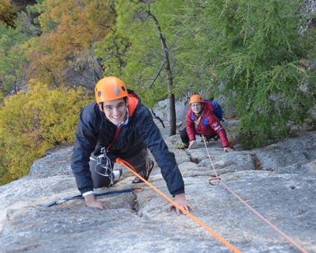 19-10_climbing