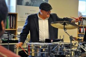Ruben Alvarez works with Milton's musicians in Kellner